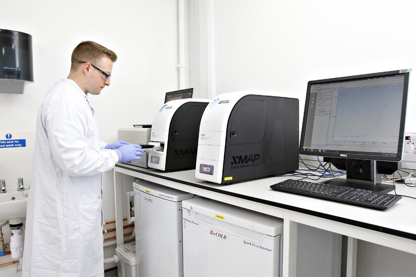 A REPROCELL (Biopta) employee in one of the human tissue laboratories